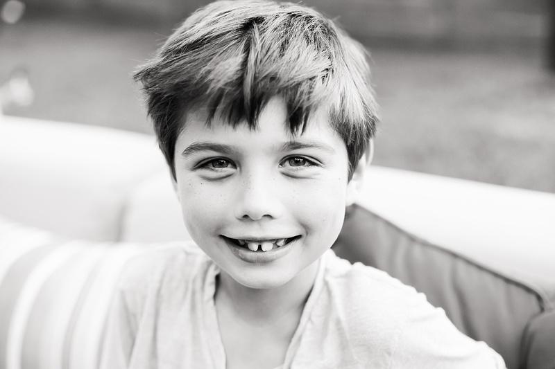 Austin children's photographer captures genuine smiles and bright eyes.