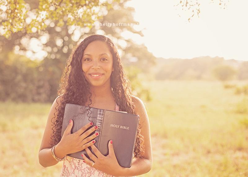 Senior girl photography session in Mueller Austin greenbelt